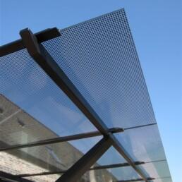 glasluifel of glazen balkon